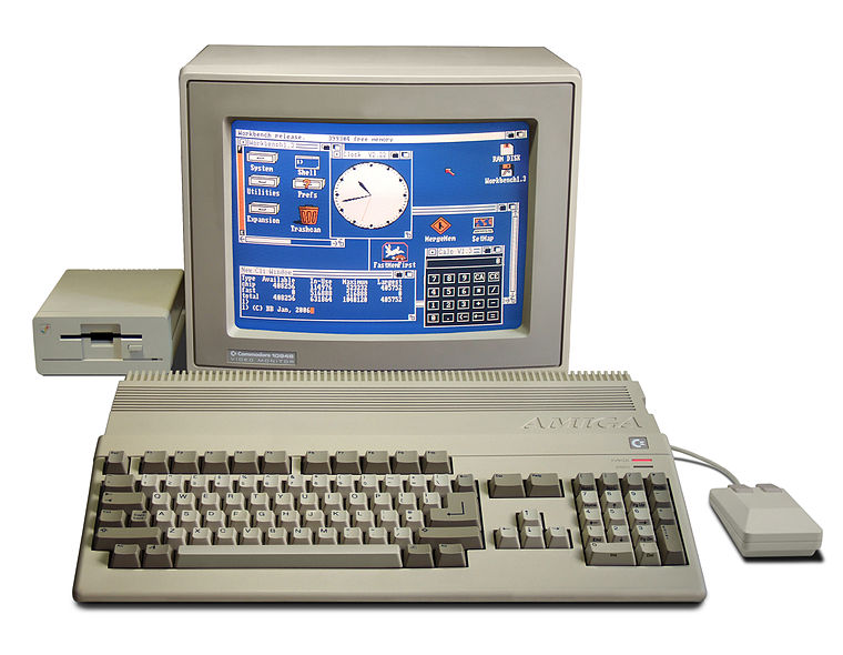 Amiga 500 with monitor and second floppy drive. (Image from Wikimedia Commons)